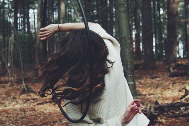 Có những cô gái đã yêu là hết sức hết lòng, nhưng khi bị phụ tình lại hết luôn cả vốn liếng thanh xuân! - Ảnh 2.