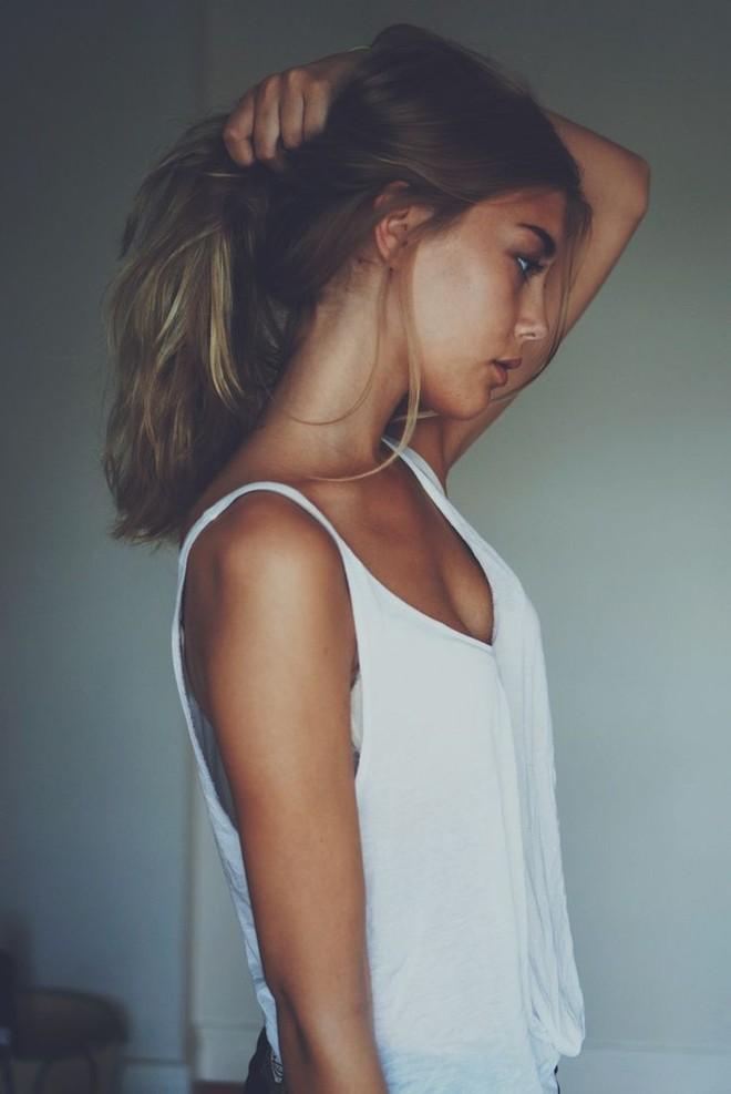 Không có nhiều tiền đi spa dưỡng tóc thì nhất định phải nhớ các nguyên tắc chăm sóc tóc này - Ảnh 1.