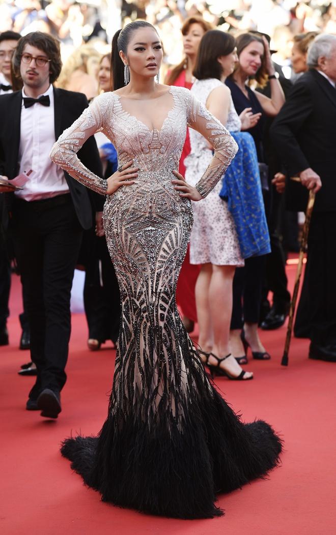 Lý Nhã Kỳ lột xác, hoá Nữ hoàng Cleopatra trên thảm đỏ LHP Cannes ngày 4 - Ảnh 8.