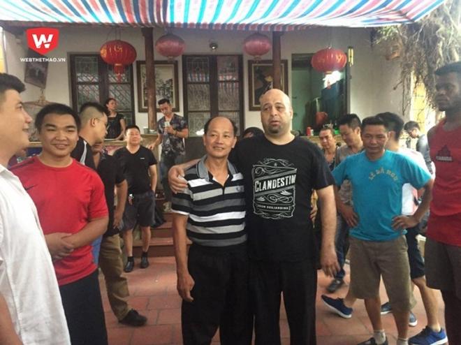 Cao thủ Vịnh Xuân Flores tiếp tục thắng võ sư Việt Nam 60 tuổi - Ảnh 2.