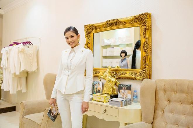 Hoa hậu Mỹ Linh đẹp kiêu sa, đọ sắc bên đàn chị Vũ Thu Phương - Ảnh 7.