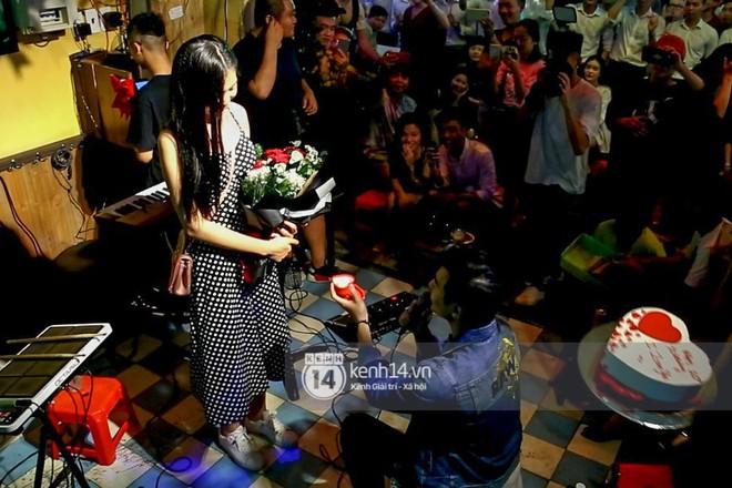 Sau khi được bạn trai cầu hôn lãng mạn, Chúng Huyền Thanh rạng rỡ đi thử váy cưới - Ảnh 6.