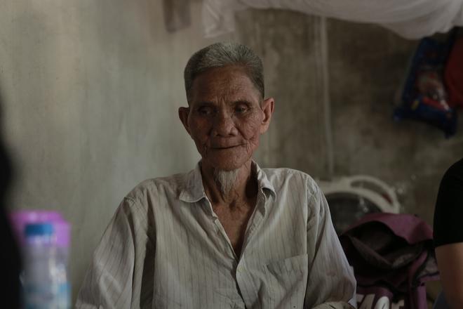 """Cộng đồng chung tay giúp đỡ cặp vợ chồng """"ông điếc chăm bà mù bằng những bữa cơm chỉ có 5.000 đồng"""" - Ảnh 8."""