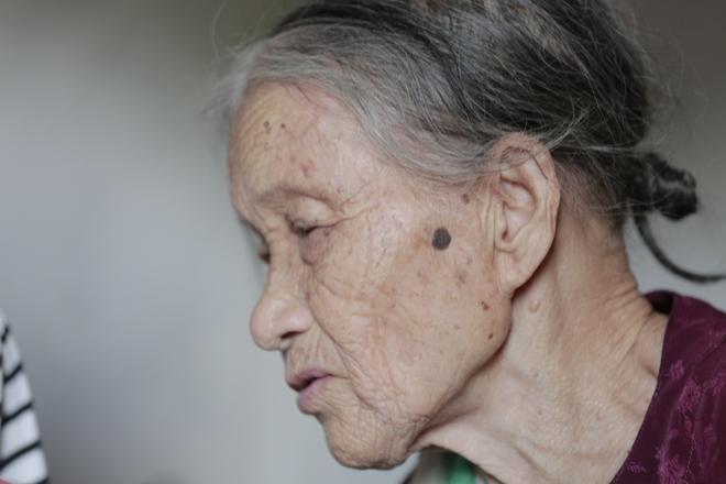 Cộng đồng chung tay giúp đỡ cặp vợ chồng ông điếc chăm bà mù bằng những bữa cơm chỉ có 5.000 đồng - Ảnh 10.