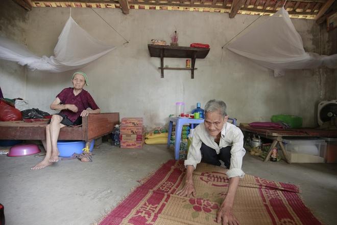 """Cộng đồng chung tay giúp đỡ cặp vợ chồng """"ông điếc chăm bà mù bằng những bữa cơm chỉ có 5.000 đồng"""" - Ảnh 12."""