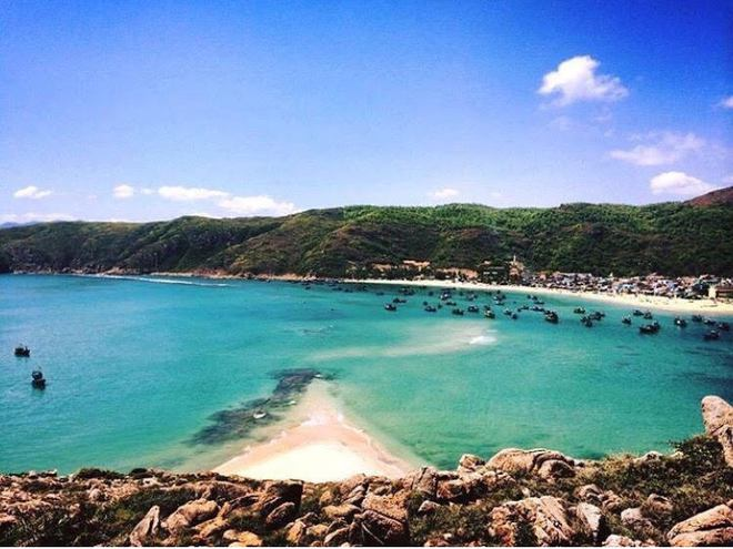 Những con đường giữa biển đẹp mê hồn ở Việt Nam mà bạn chưa biết tới - Ảnh 14.
