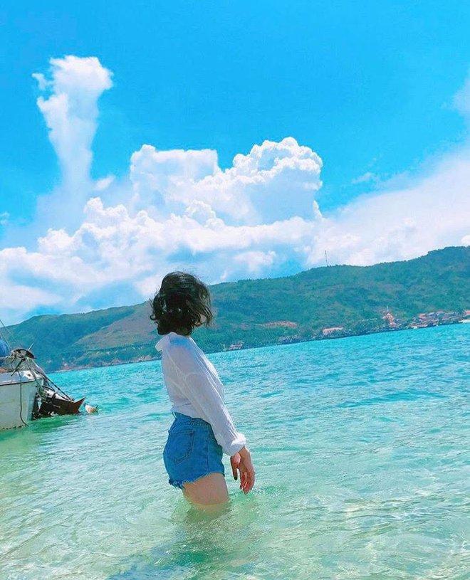 Những con đường giữa biển đẹp mê hồn ở Việt Nam mà bạn chưa biết tới - Ảnh 27.