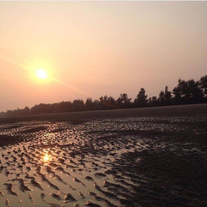 5 bãi biển ngay gần Hà Nội để 99er đi xả hơi nhanh gọn sau kỳ thi - Ảnh 5.