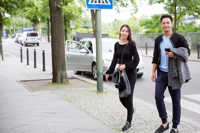 Ngọc Trinh và dàn chân dài hào hứng thăm Berlin bằng siêu xe - Ảnh 11.