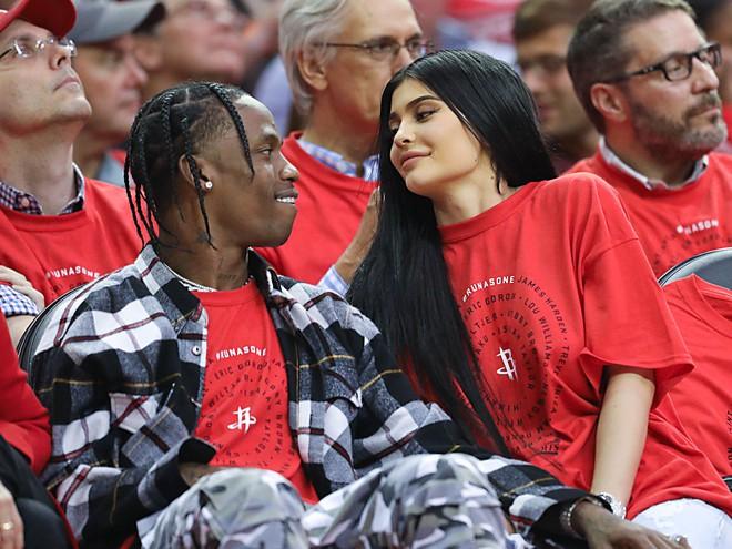 Vì sao Kylie Jenner có thể thành tỷ phú USD giàu sụ ở tuổi 25 chỉ nhờ sự nổi tiếng và thị phi? - Ảnh 7.