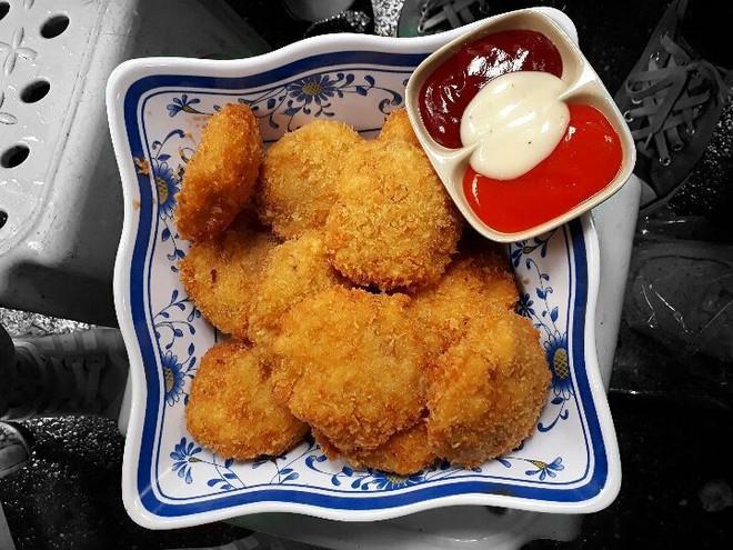 Sau thời KFC, Lotteria, Popeyes... giới trẻ Hà Nội giờ có những món gà chiên vừa ngon vừa rẻ hơn nhiều - Ảnh 5.