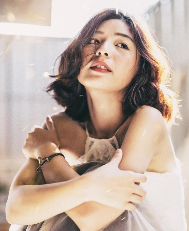 Sinh năm 1999, cao 1m70 - Cô bạn này đang là mẫu lookbook cực hot ở Sài Gòn - Ảnh 3.