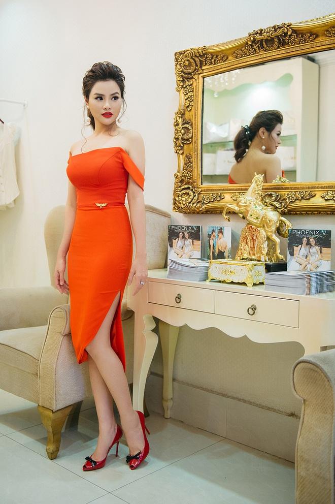 Hoa hậu Mỹ Linh đẹp kiêu sa, đọ sắc bên đàn chị Vũ Thu Phương - Ảnh 4.
