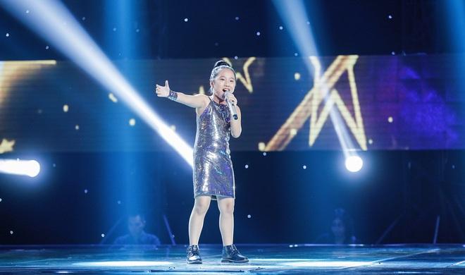 Chạy ào lên đón thí sinh nhưng bị từ chối, Vũ Cát Tường có giây phút bẽ bàng nhất lịch sử Giọng hát Việt nhí - Ảnh 7.