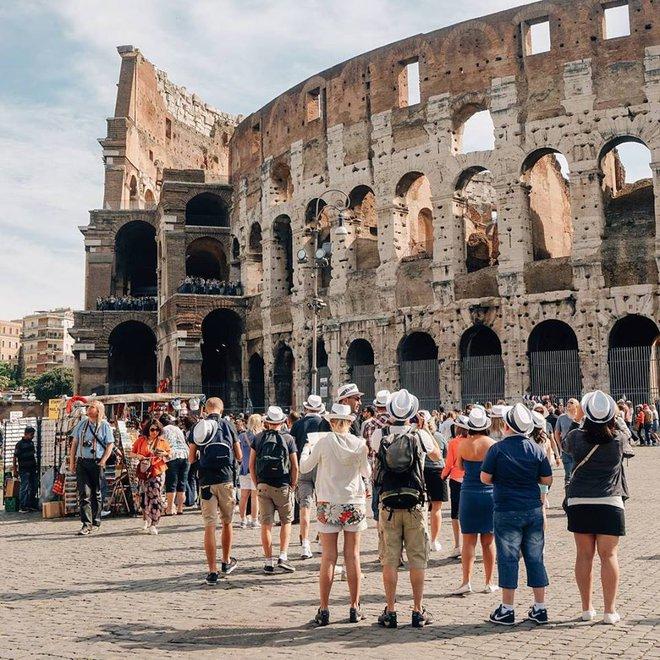 Những cuốn sách truyền cảm hứng du lịch bụi mà bạn nhất-định-nên-đọc - Ảnh 17.