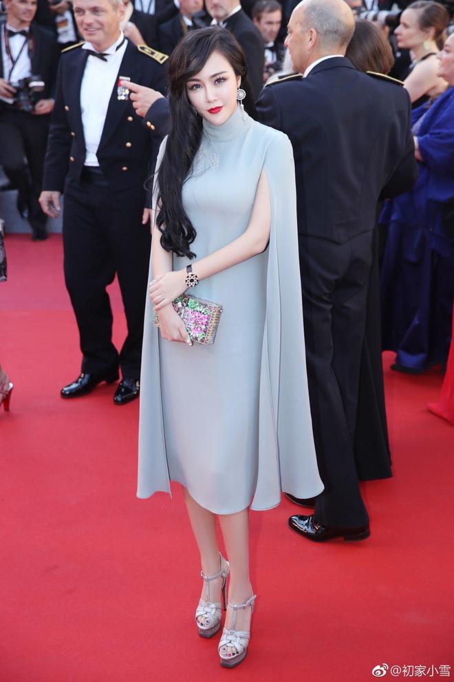 Lại thêm một người đẹp Cbiz vô danh chen chân lên thảm đỏ Cannes khiến netizen muối mặt - Ảnh 8.