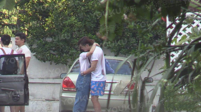 Showbiz Hoa ngữ 2017: Hơn 10 cặp đôi chia tay, nhiều cái chết bí ẩn, thị phi dồn dập tới tận ngày 31 - Ảnh 24.