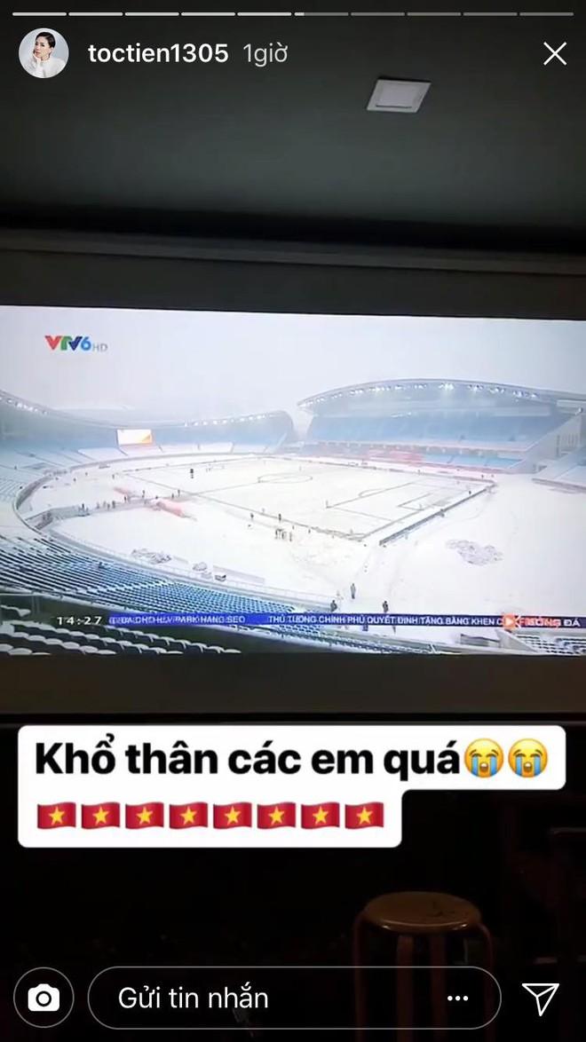 Nghệ sĩ Việt xót xa khi chứng kiến U23 Việt Nam thi đấu trong thời tiết giá lạnh, tuyết phủ kín sân - Ảnh 4.