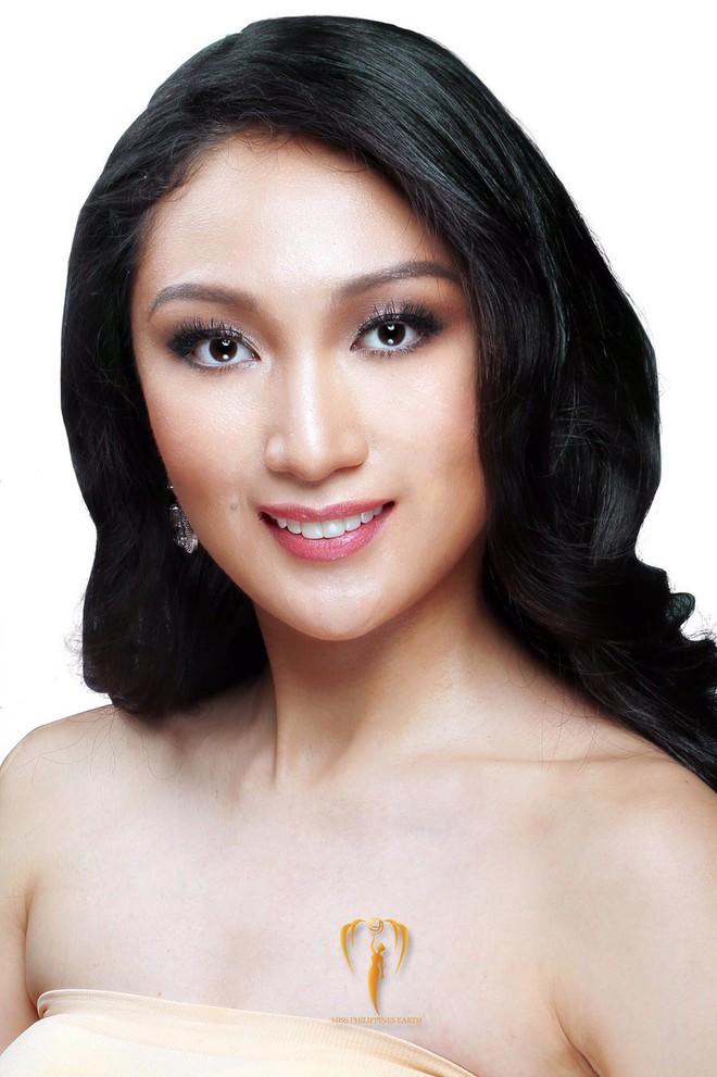 Hoa hậu Trái đất từng bị ném đá dữ dội về nhan sắc bất ngờ ghé thăm Việt Nam, rạng rỡ khoe ảnh đội nón lá - Ảnh 4.