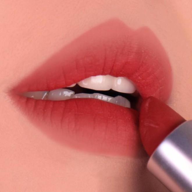 Review son lì MAC Powder Kiss hot hit mới toanh: cận cảnh chất son và những gam màu đẹp nhất, hợp con gái châu Á nhất - ảnh 18