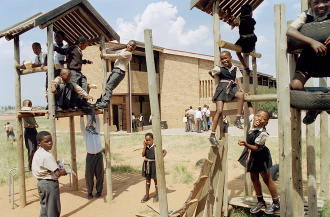 Khám phá đồng phục của học sinh, sinh viên thế giới: Nơi gây choáng vì đắt đỏ, nơi ấn tượng mạnh về độ độc đáo - Ảnh 13.