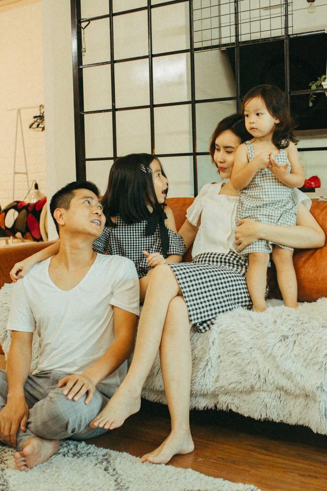Lưu Hương Giang - Hồ Hoài Anh lần đầu chụp ảnh gia đình đủ 4 thành viên, hé lộ con gái hơn 2 tuổi lớn phổng phao - Ảnh 18.