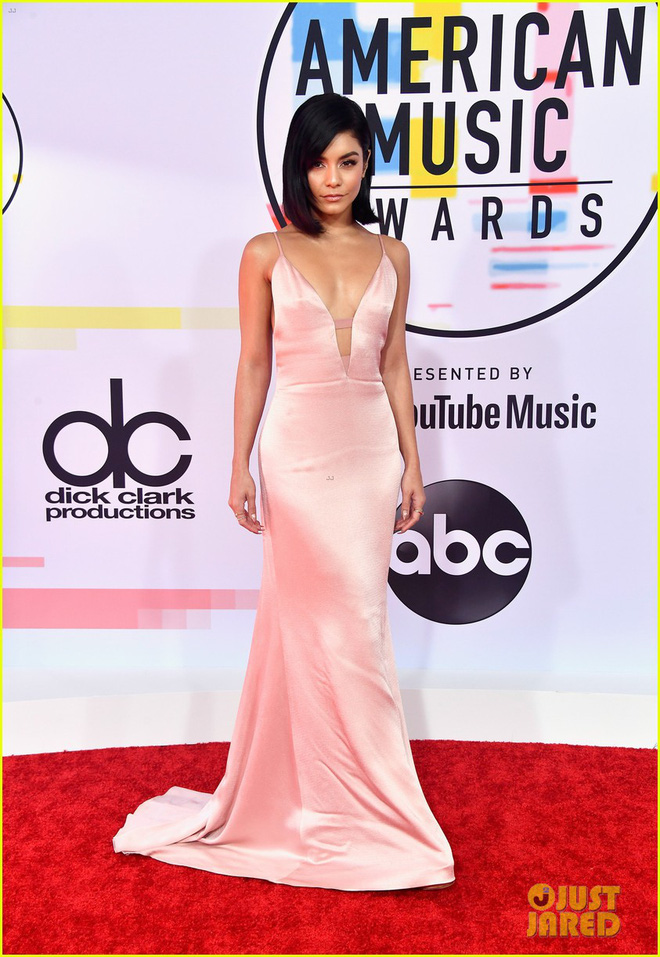 Dàn siêu sao đổ bộ thảm đỏ AMA 2018: Taylor Swift chói lóa cả sự kiện, nhiều đại diện Kpop cũng xuất hiện - Ảnh 30.
