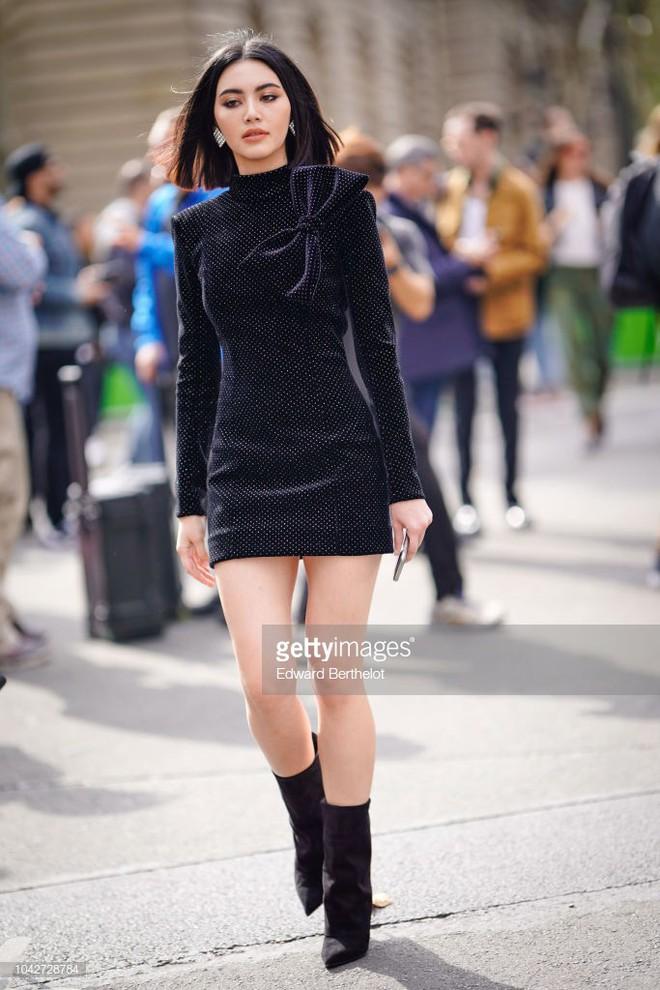 Nhìn thì đơn giản nhưng chỉ những nàng chân dài, dáng đẹp mới có thể diện được mẫu váy này - ảnh 5