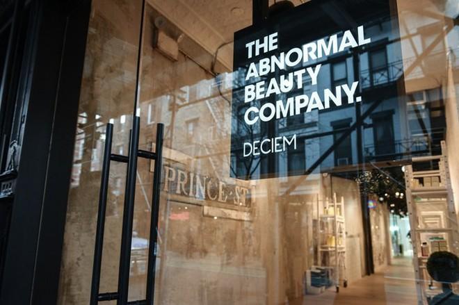 Hãng skincare đình đám The Ordinary đột ngột ngừng hoạt động, đóng toàn bộ cửa hàng, các tín đồ làm đẹp hoang mang tột độ - Ảnh 2.