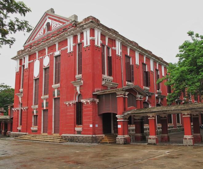 Ở miền Trung có 1 ngôi trường cấp 3 kiến trúc đẹp như châu Âu, đứng vào góc nào cũng ra ảnh nghìn like - ảnh 7