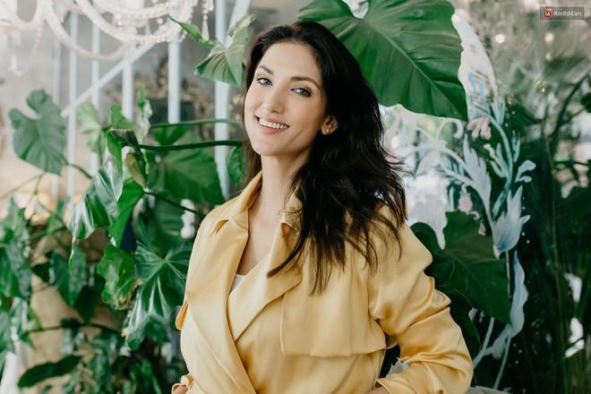 Host Cindy Bishop nói gì về Hồ Ngọc Hag khi làm việc chung tại Asia's Next Top Model? - ảnh 1
