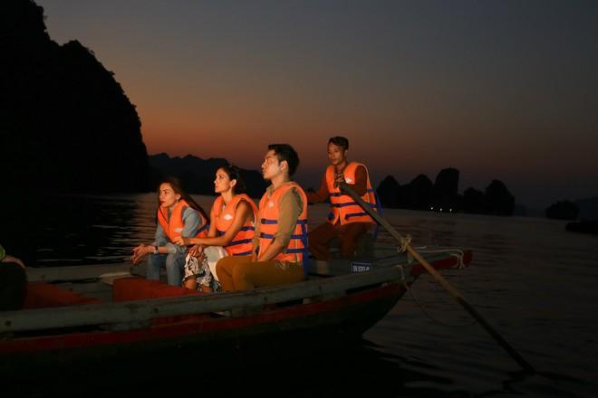Host Asia's Next Top Model trầm trồ về vịnh Hạ Long khi du lịch cùng Hồ Ngọc Hà - ảnh 6