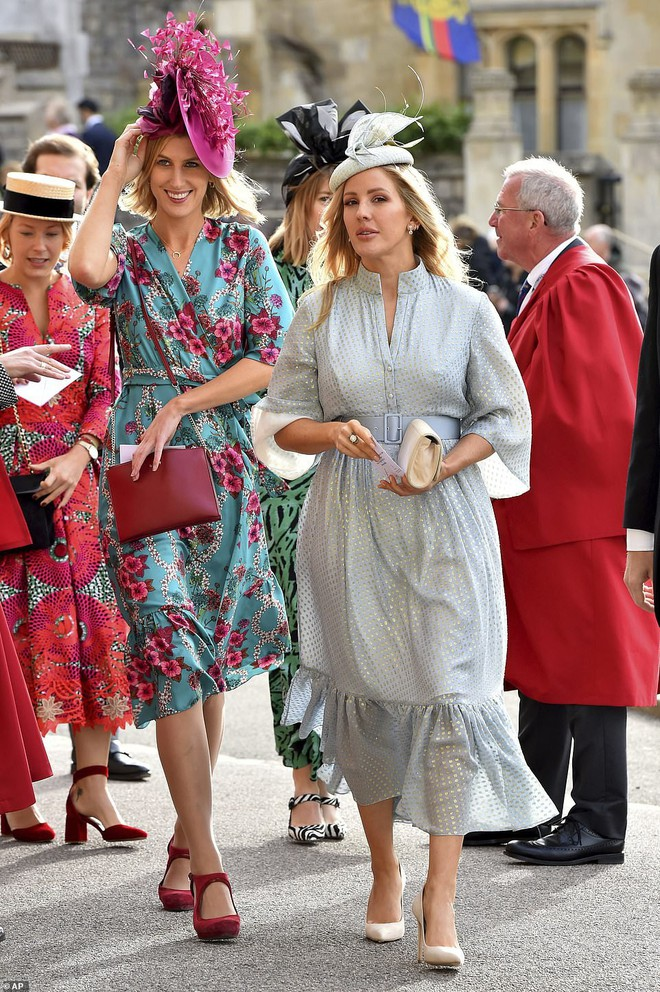 Đám cưới Công chúa Eugenie: Cara Delevingne chơi trội diện đồ nam, làm lu mờ cả Công nương Kate và Meghan - ảnh 8