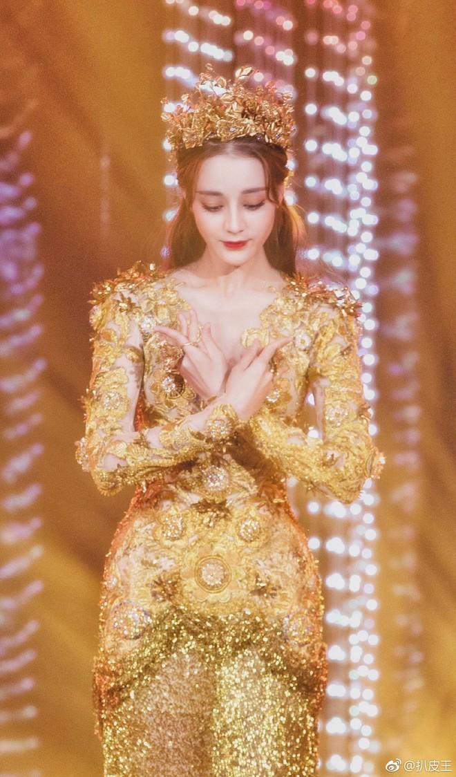 Mỹ nhân cực phẩm nhất đêm nay: Địch Lệ Nhiệt Ba hoá thân thành Nữ thần Kim Ưng, xuất sắc như tiên giáng trần - ảnh 8
