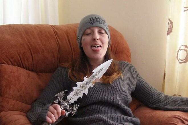 Nữ sát thủ giết người hàng loạt đòi quyền được cưới bạn tù đồng giới - ảnh 1