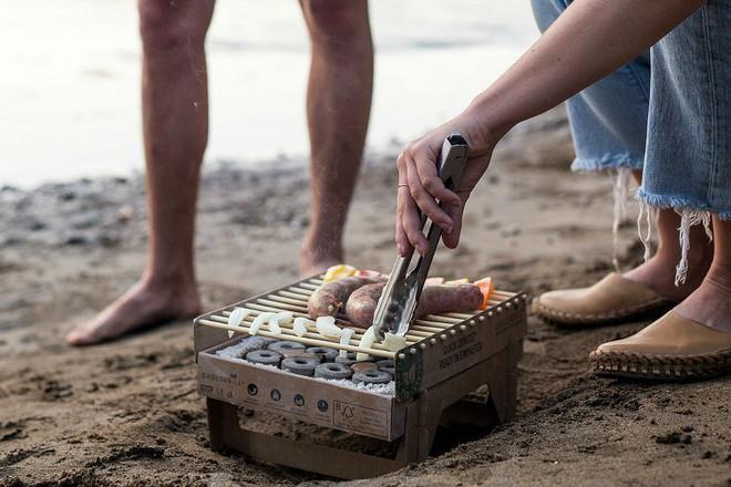 Bếp nướng ghép giấy 340k nhìn giống hệt đồ chơi nhưng nướng đồ thần sầu - Ảnh 4.