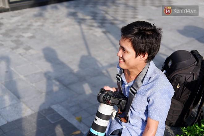 Chàng nhiếp ảnh bại não ở Sài Gòn từng bị trường cấp 2 từ chối: Nhiều người hỏi mình đi học làm gì, lớn lên ai mà mướn? - ảnh 1