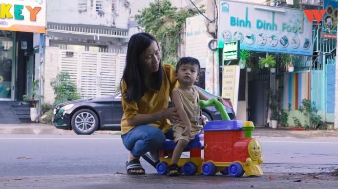 Hành trình cậu bé siêu nhân não mịn hòa nhập với cộng đồng nhờ quán chè bưởi Sài Gòn của bố mẹ Thạc sĩ - Ảnh 3.