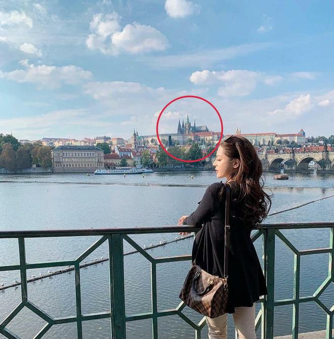 Soobin Hoàng Sơn công khai ôm vai bạn gái tin đồn ở châu Âu - ảnh 3