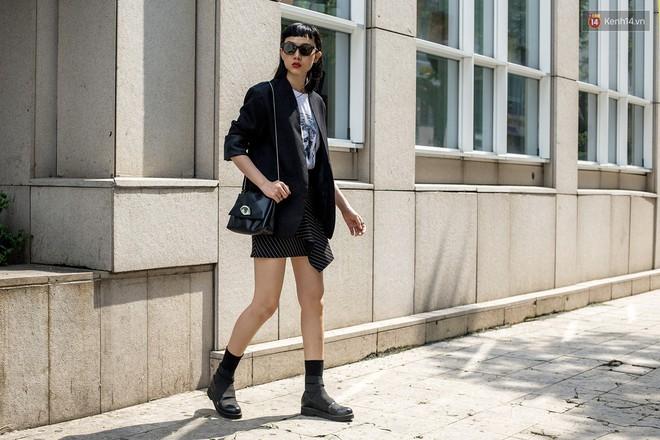 Street style 2 miền: các bạn trẻ bắt trends nhanh như điện, diện toàn những món đồ hot hit nhất mùa thu năm nay - ảnh 1