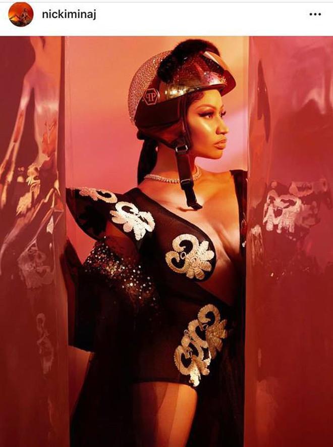 Lại thêm tin vui: Nicki Minaj diện đồ của NTK Việt, khoe ảnh siêu xịn trên Instagram 92 triệu follower! - ảnh 2