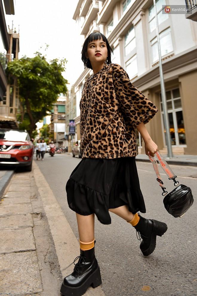 Street style 2 miền: các bạn trẻ bắt trends nhanh như điện, diện toàn những món đồ hot hit nhất mùa thu năm nay - ảnh 17