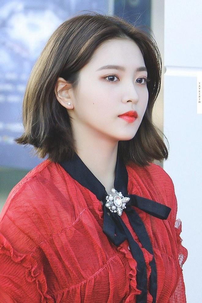Chưa cần thẩm mỹ, nhiều idol Hàn Quốc vẫn thăng hạng nhan sắc nhờ cắt tóc ngắn - ảnh 10