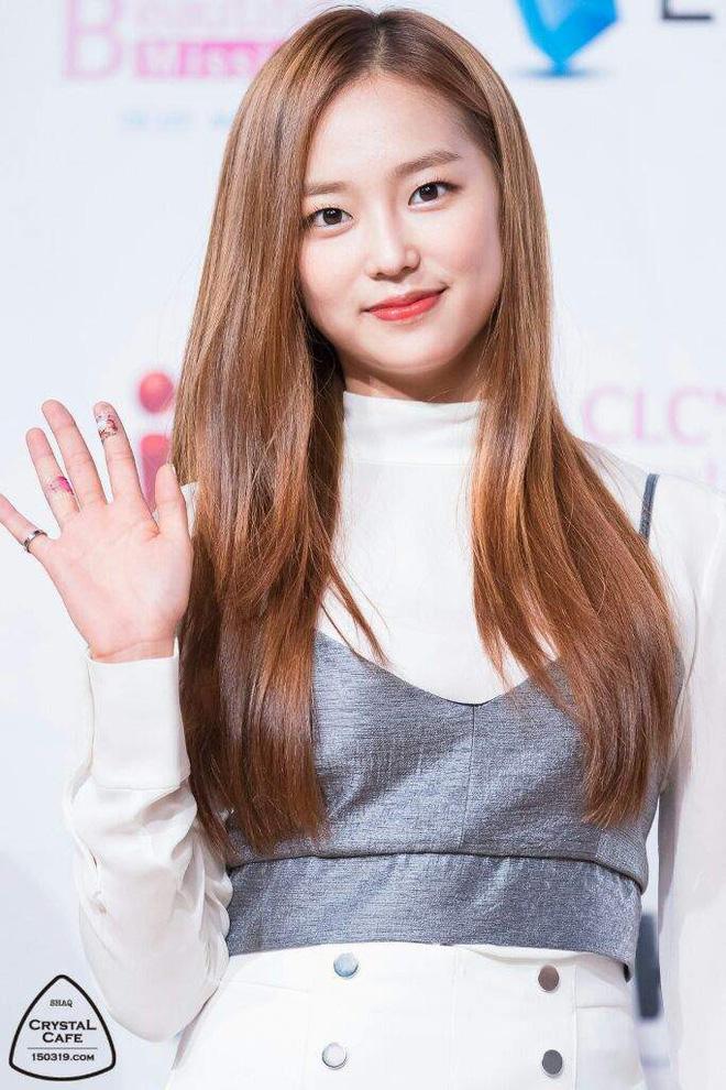 Chưa cần thẩm mỹ, nhiều idol Hàn Quốc vẫn thăng hạng nhan sắc nhờ cắt tóc ngắn - ảnh 11