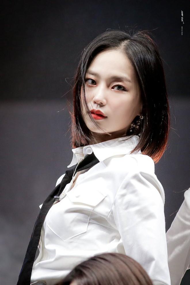 Chưa cần thẩm mỹ, nhiều idol Hàn Quốc vẫn thăng hạng nhan sắc nhờ cắt tóc ngắn - ảnh 12