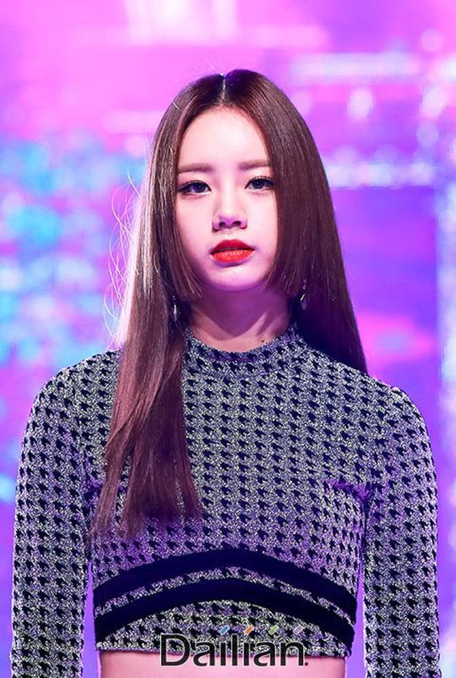 Chưa cần thẩm mỹ, nhiều idol Hàn Quốc vẫn thăng hạng nhan sắc nhờ cắt tóc ngắn - ảnh 15