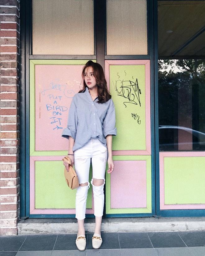 Có một kiểu quần mà các nàng cứ diện lên sẽ trẻ trung và nữ tính hơn bội phần, đó chính là quần jeans trắng - ảnh 10