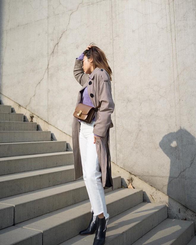 Có một kiểu quần mà các nàng cứ diện lên sẽ trẻ trung và nữ tính hơn bội phần, đó chính là quần jeans trắng - ảnh 14