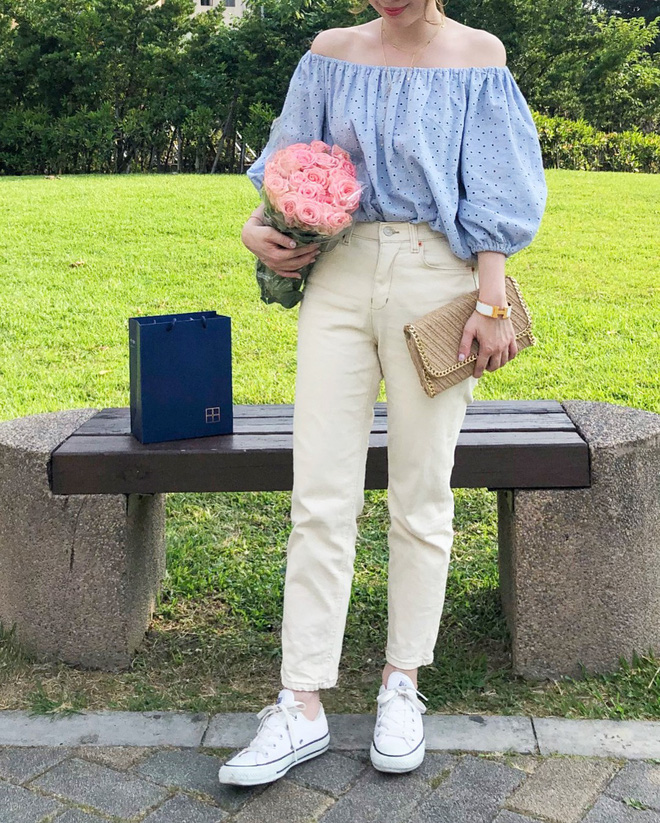 Có một kiểu quần mà các nàng cứ diện lên sẽ trẻ trung và nữ tính hơn bội phần, đó chính là quần jeans trắng - ảnh 5