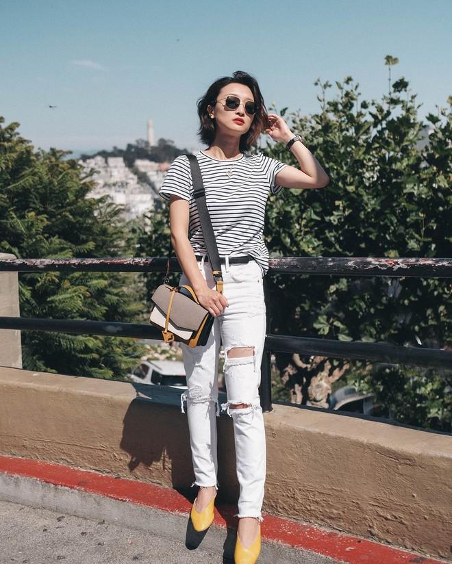 Có một kiểu quần mà các nàng cứ diện lên sẽ trẻ trung và nữ tính hơn bội phần, đó chính là quần jeans trắng - ảnh 8